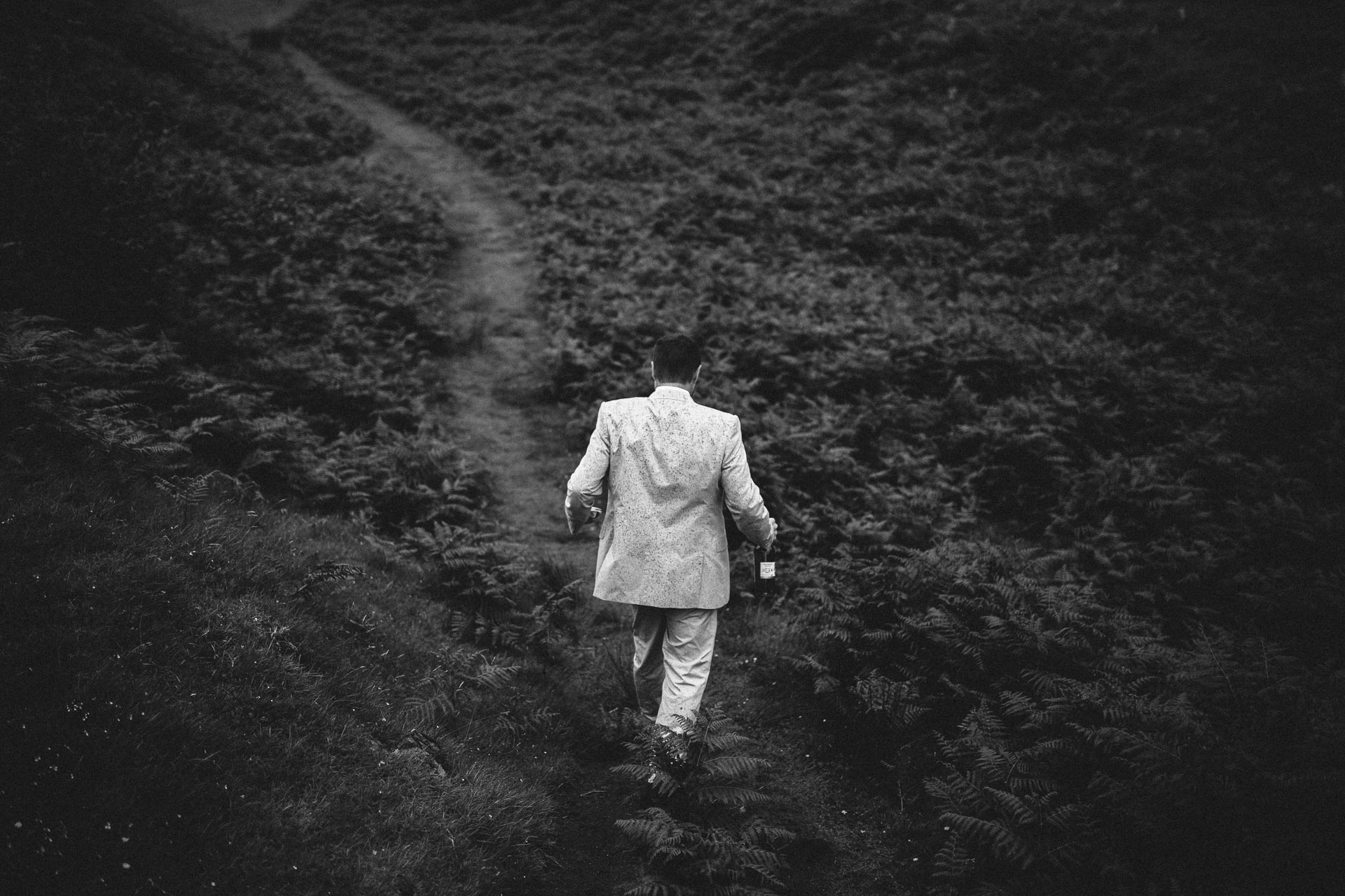 Megan_Matt_Elopement_IntimateWedding_Scotland_IsleOfSkye_JeanLaurentGaudy_062
