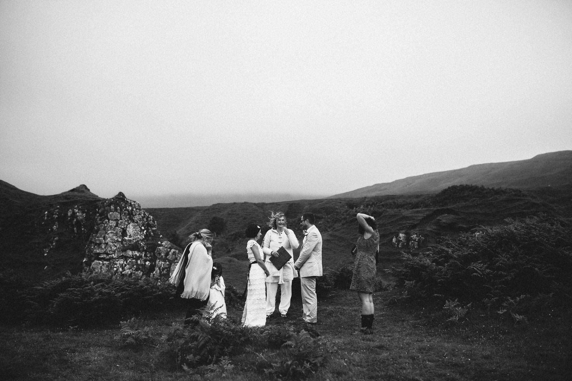 Megan_Matt_Elopement_IntimateWedding_Scotland_IsleOfSkye_JeanLaurentGaudy_069
