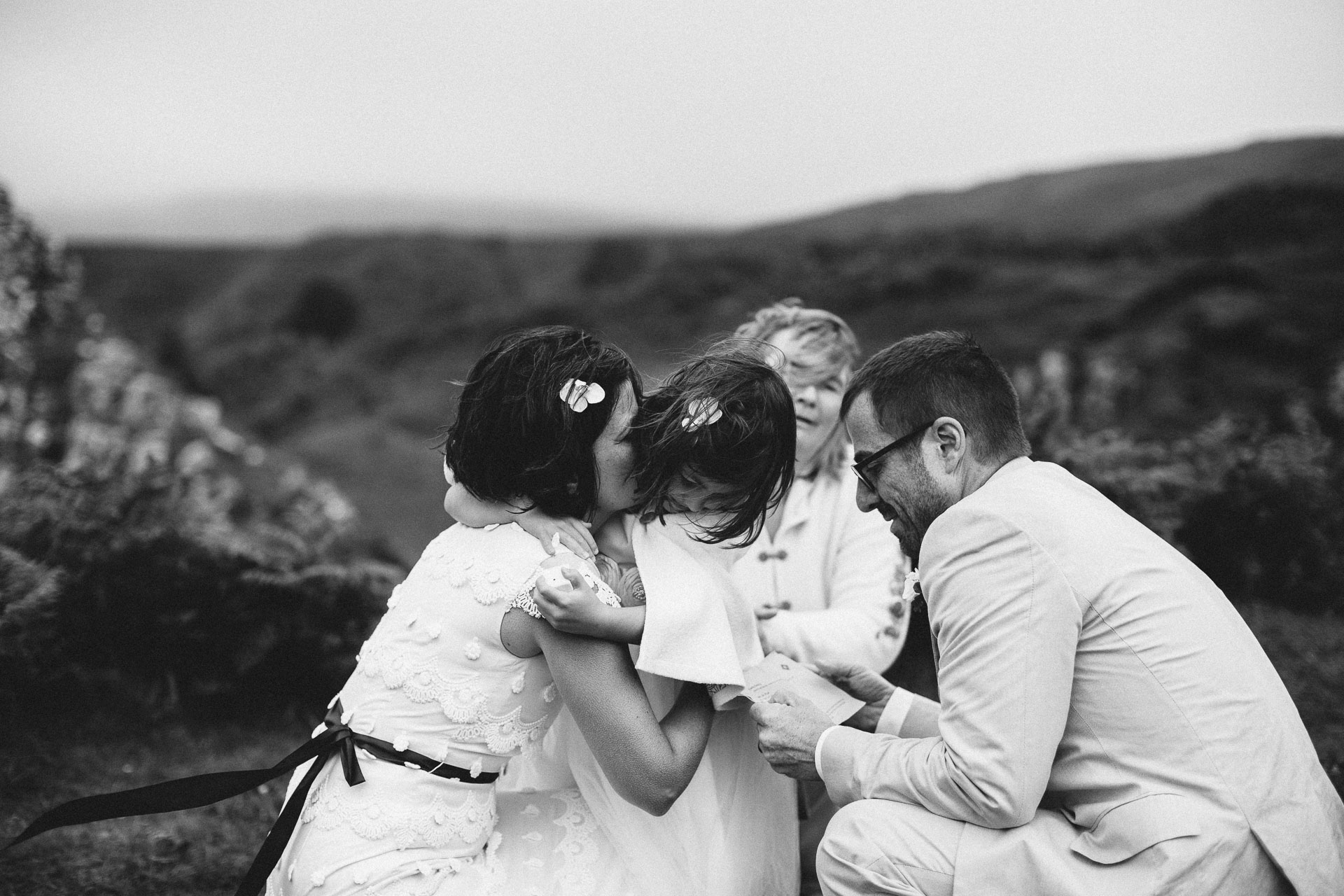 Megan_Matt_Elopement_IntimateWedding_Scotland_IsleOfSkye_JeanLaurentGaudy_085