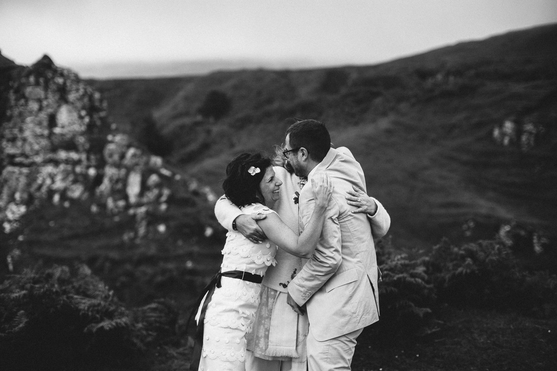 Megan_Matt_Elopement_IntimateWedding_Scotland_IsleOfSkye_JeanLaurentGaudy_092