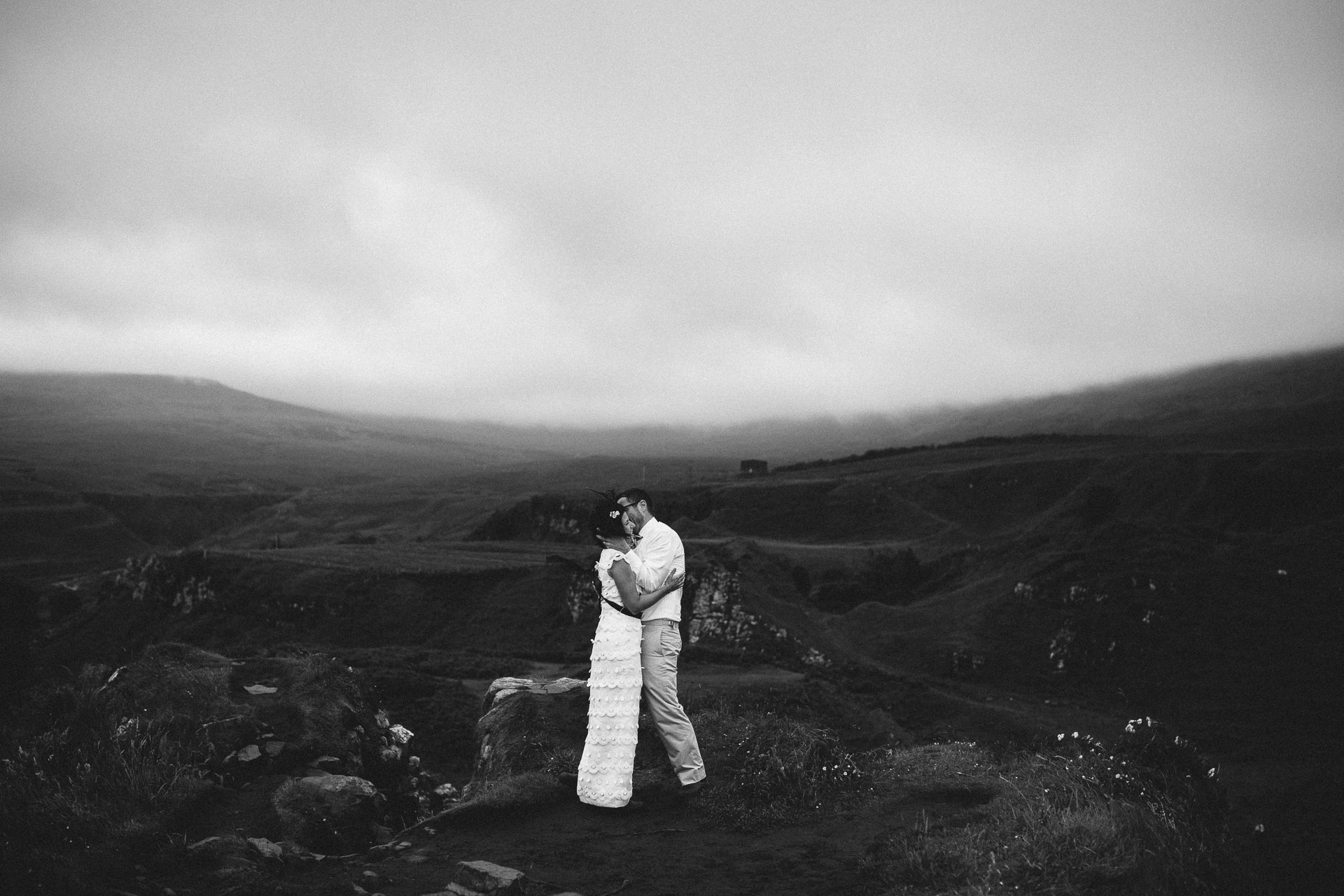 Megan_Matt_Elopement_IntimateWedding_Scotland_IsleOfSkye_JeanLaurentGaudy_101