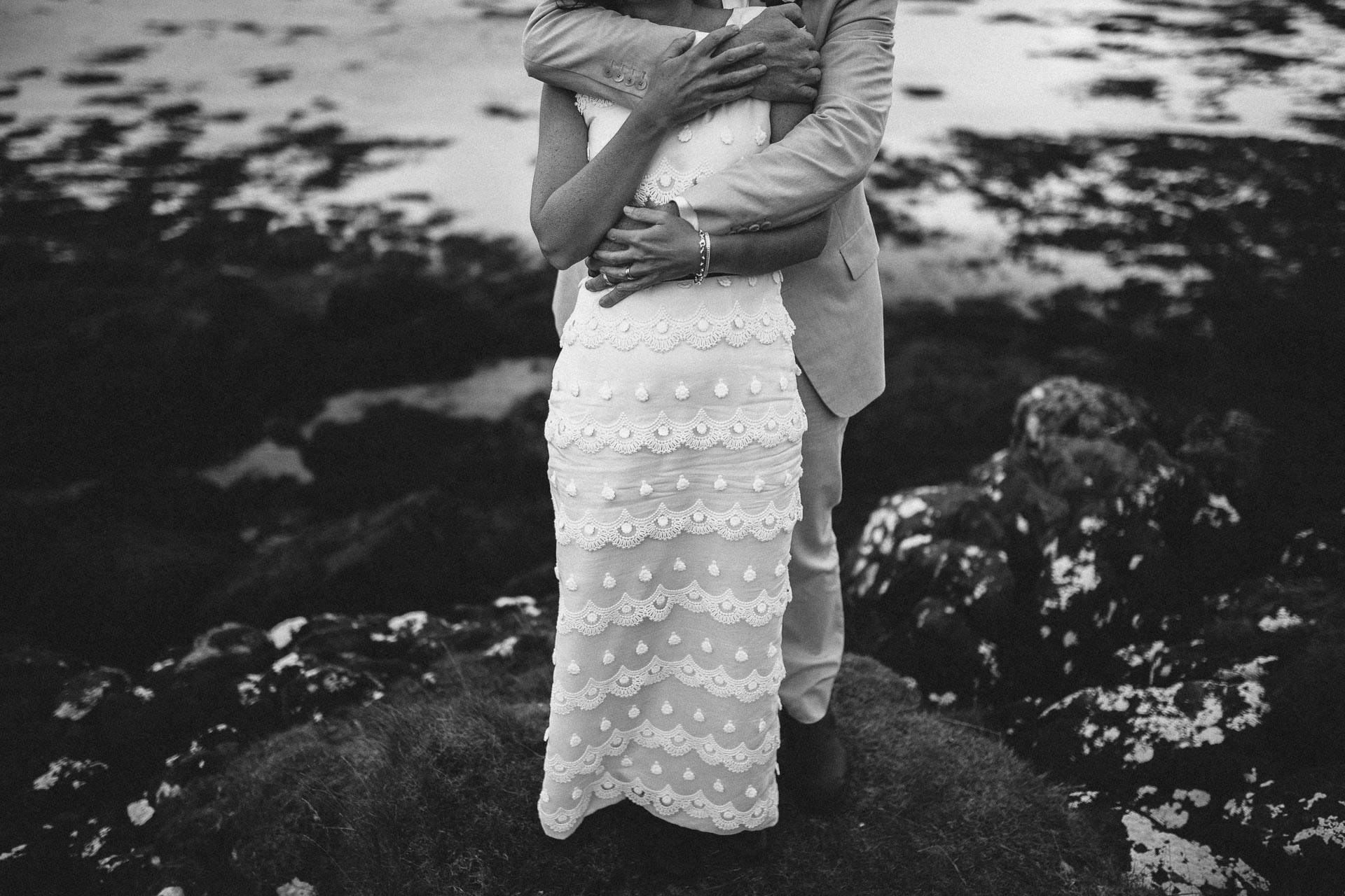 Megan_Matt_Elopement_IntimateWedding_Scotland_IsleOfSkye_JeanLaurentGaudy_114