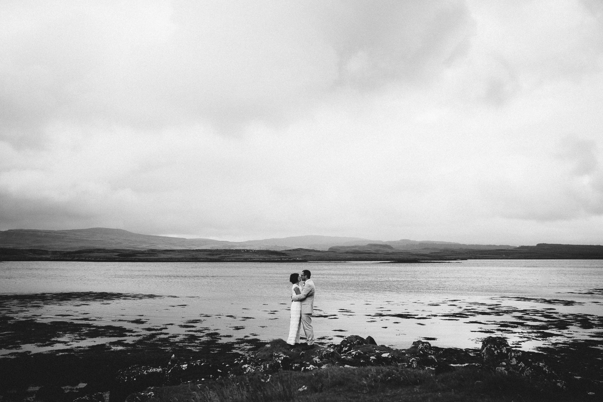 Megan_Matt_Elopement_IntimateWedding_Scotland_IsleOfSkye_JeanLaurentGaudy_116