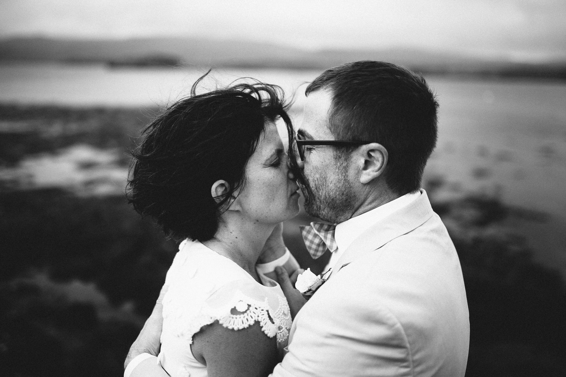 Megan_Matt_Elopement_IntimateWedding_Scotland_IsleOfSkye_JeanLaurentGaudy_117