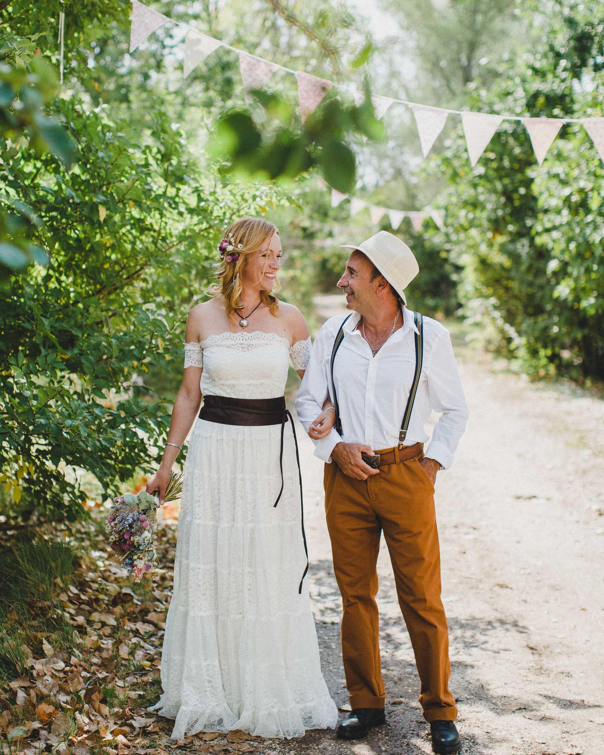 Lea & David Americana Folk Wedding France by Jean-Laurent Gaudy Photography-13