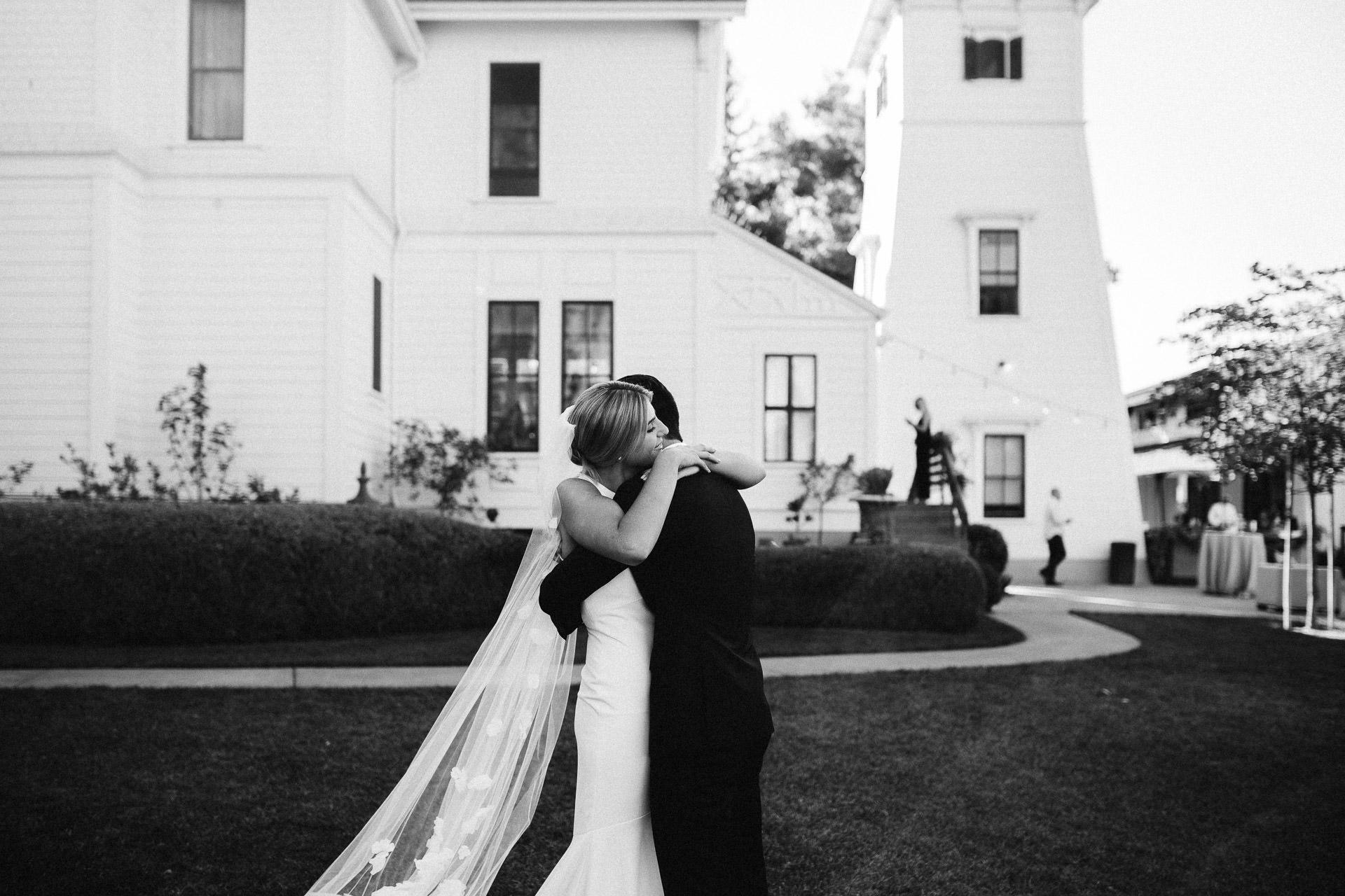 lauren_graham_wedding_california_park_winters_jeanlaurentgaudy_037